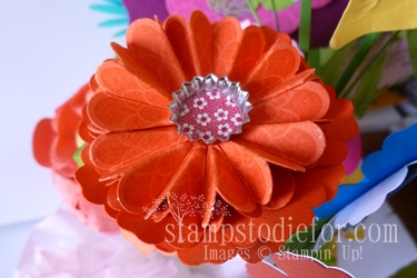 Flowers made with paper crafting 005