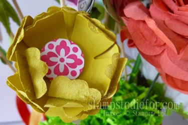Flowers made with paper crafting 011