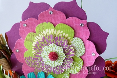 Flowers made with paper crafting 014