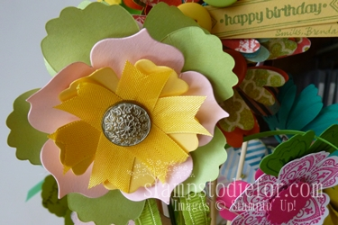 Flowers made with paper crafting 016