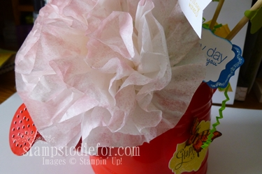 Flowers made with paper crafting 024