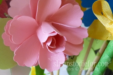 Flowers made with paper crafting 010