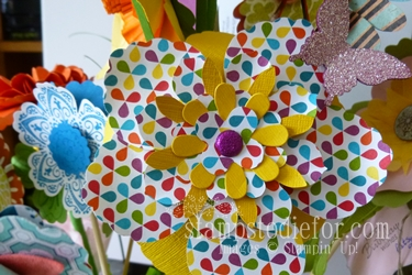 Flowers made with paper crafting 020